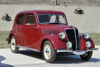 Renault Celtaquatre (1937)