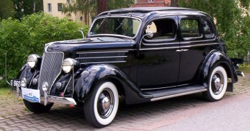 1936_Ford_Model_68_730_De_Luxe_Fordor_Touring_Sedan_dk