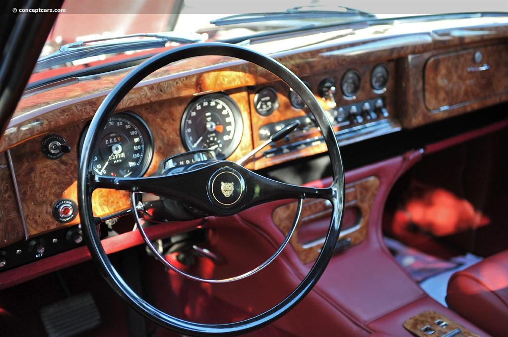 cars of tintin series jaguar mark x the transport journal. Black Bedroom Furniture Sets. Home Design Ideas
