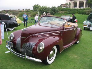 Cars of Tintin Series – Lincoln Zephyr1939