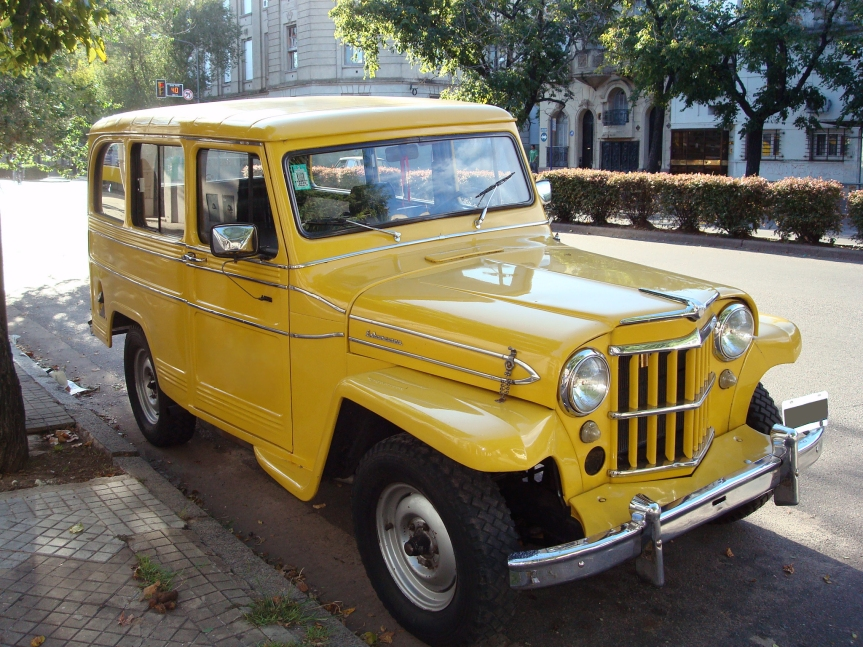 Cars of Tintin Series – Willys Jeep Station Wagon