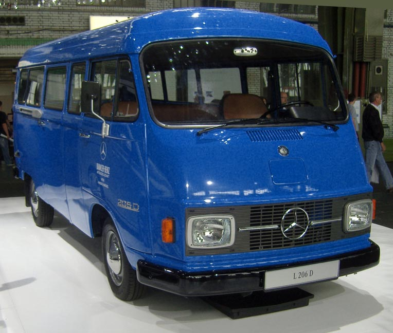 Cars of Tintin Series – Mercedes Benz L206 D