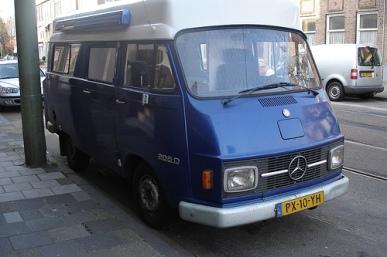 Mercedes L206D_2